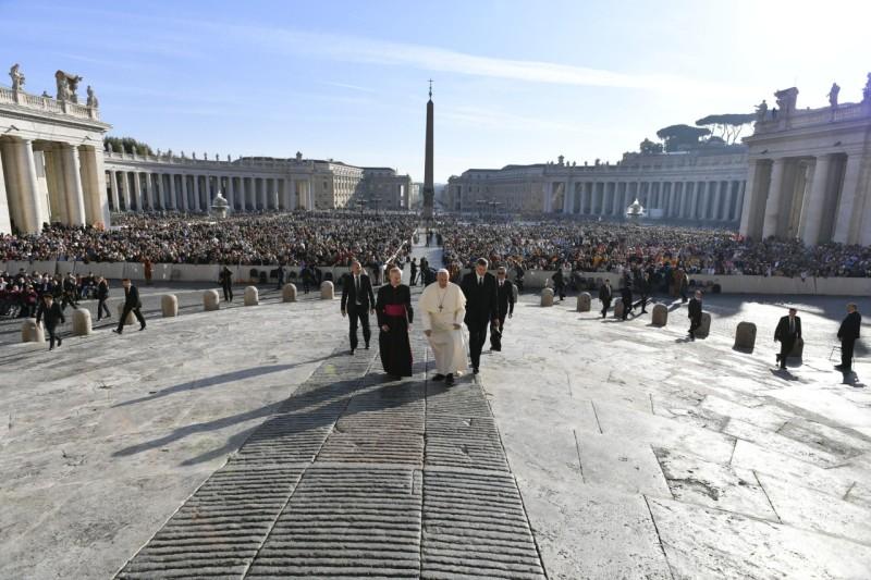 El Papa Francisco, muy preocupado por la violencia en Chile