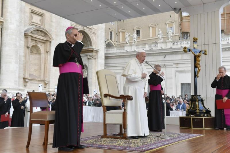 Comienzo de la audiencia del Papa