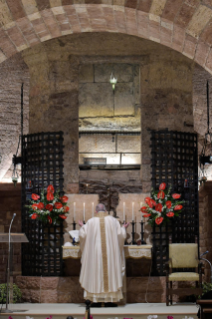 "9-Visit of the Holy Father Francis to Assisi: Holy Mass and signing of the new Encyclical <i>""All Brothers"", on fraternity and social friendship</i>"