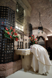 "7-Visit of the Holy Father Francis to Assisi: Holy Mass and signing of the new Encyclical <i>""All Brothers"", on fraternity and social friendship</i>"