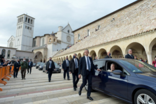 "15-Visit of the Holy Father Francis to Assisi: Holy Mass and signing of the new Encyclical <i>""All Brothers"", on fraternity and social friendship</i>"