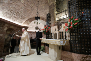 "13-Visit of the Holy Father Francis to Assisi: Holy Mass and signing of the new Encyclical <i>""All Brothers"", on fraternity and social friendship</i>"