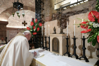 "12-Visit of the Holy Father Francis to Assisi: Holy Mass and signing of the new Encyclical <i>""All Brothers"", on fraternity and social friendship</i>"