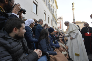 14-Act of Veneration to the Immaculate Conception of the Blessed Virgin Mary at the Spanish Steps