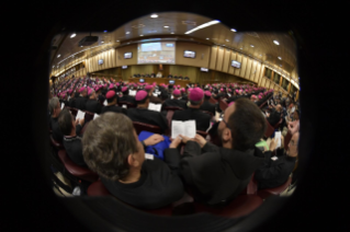 16-Opening of the XV Ordinary General Assembly of the Synod of Bishops: Introductory Prayer and Greeting of the Pope
