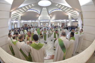 "17-Eucharistic celebration to open the meeting of reception structures, ""Liberi dalla paura"" (""Free from fear"")"