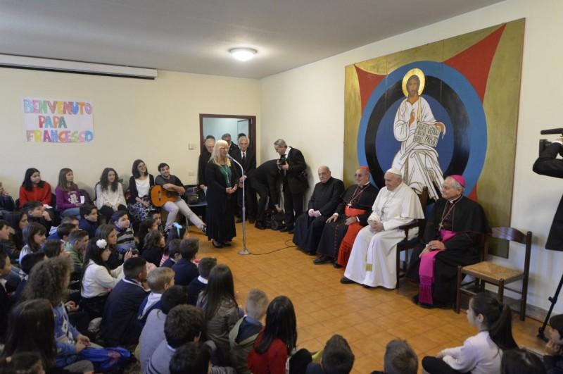 Francisco, con los niños de Viterbo