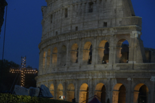 0-Way of the Cross at the Colosseum presided over by the Holy Father - Good Friday