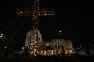 23-Way of the Cross at the Colosseum presided over by the Holy Father - Good Friday