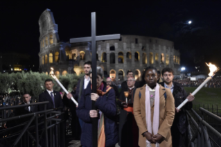 28-Way of the Cross at the Colosseum presided over by the Holy Father - Good Friday