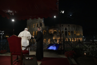 31-Way of the Cross at the Colosseum presided over by the Holy Father - Good Friday