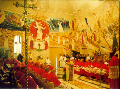 http://www.vatican.va/news_services/liturgy/img/capella%20redemptoris%20mater%20195.JPG