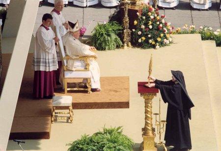 Risultati immagini per canonizzazione di faustina kowalska