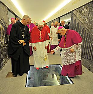Benedetto xvi annuncia l imminente pubblicazione della sua - La terza porta ...